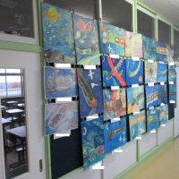 校内絵画展が始まりました。
