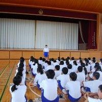 夏休みに向けて学年集会(1・2年)を行いました。