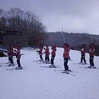 宿泊学習2日目 スキー学習と昼食の様子